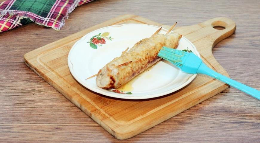 Фото приготовления рецепта: Свинина с грибами в хрустящей корочке, шаг №6