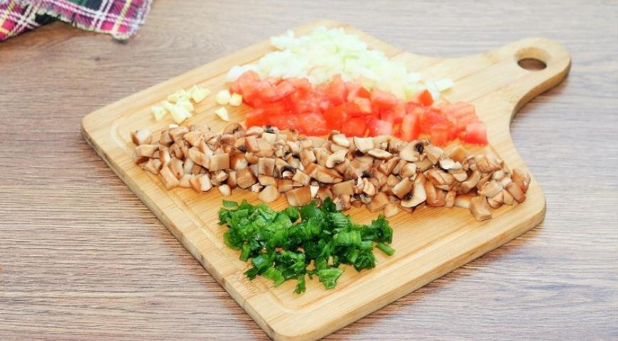 Фото приготовления рецепта: Свинина с грибами в хрустящей корочке, шаг №1