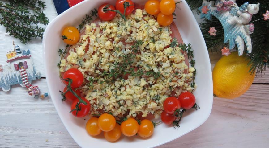 Филе рыбы в чесночном масле с сыром и миндалем, пошаговый рецепт с фото