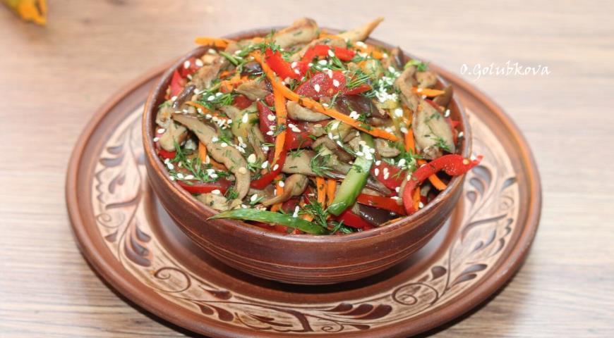 Маринованные баклажаны с яйцом и овощами, пошаговый рецепт с фото