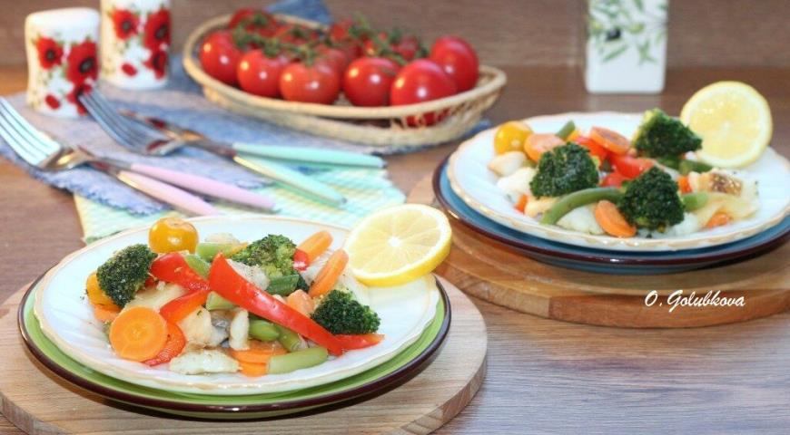 Фото приготовления рецепта: Рыба с овощами, приготовленная на пару, шаг №12