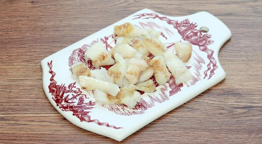 Фото приготовления рецепта: Рыба с овощами, приготовленная на пару, шаг №5