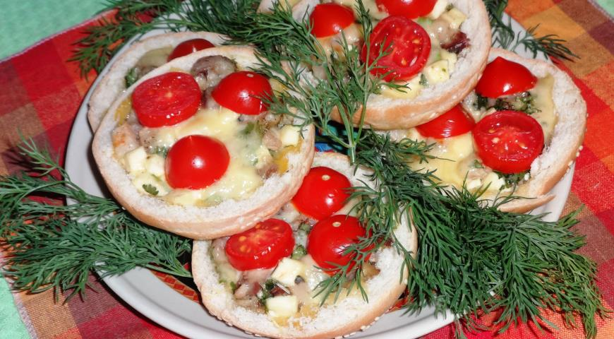 Горячая закуска в булочках, пошаговый рецепт с фото