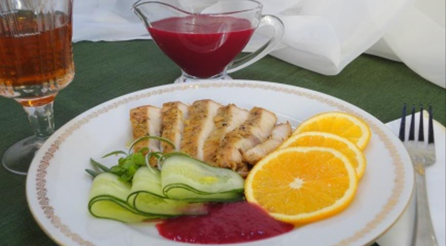 Индейка с клюквенным соусом, пошаговый рецепт с фото