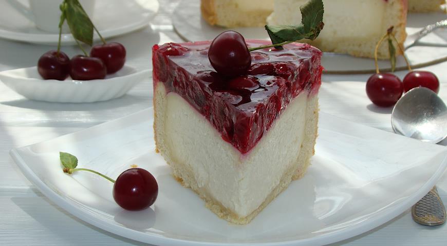 Песочный пирог с творогом и вишней, пошаговый рецепт с фото
