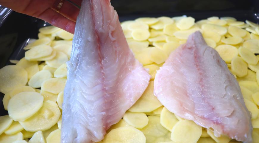 Рыба с картофелем в духовке , пошаговый рецепт с фото