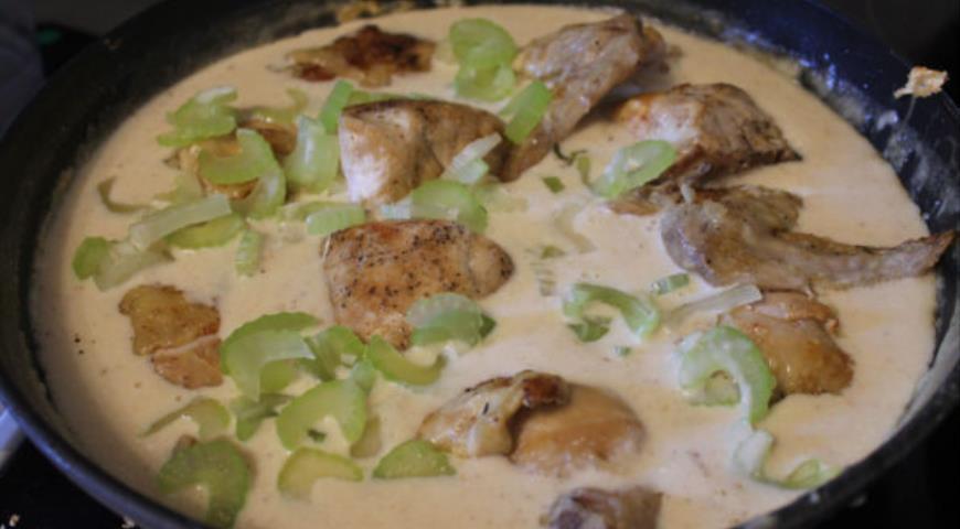 Курица с соусом из сельдерея, пошаговый рецепт с фото
