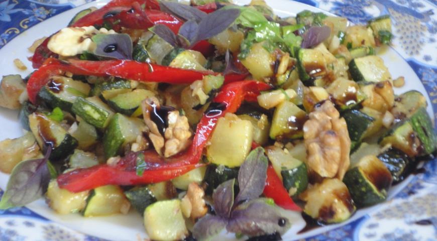 Салат из кабачков с орехами, пошаговый рецепт с фото