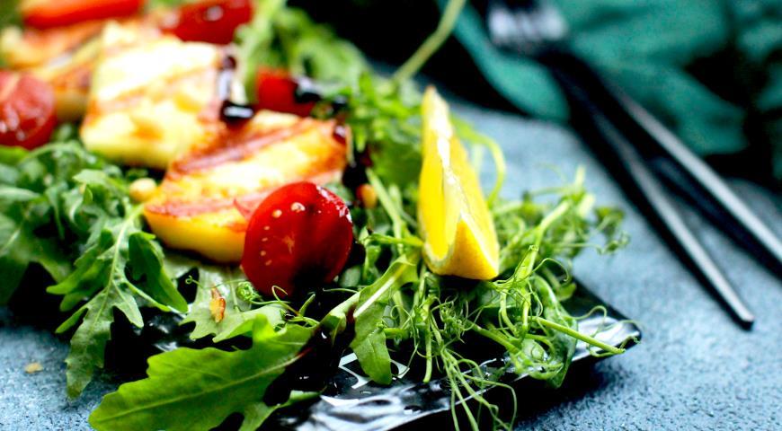 Салат с халуми и помидорами, пошаговый рецепт с фото