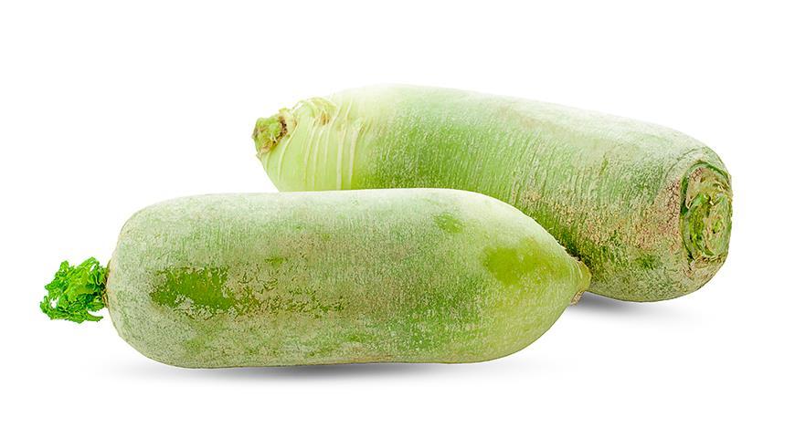 Редька зеленая или маргеланская - более сочная, с мягким вкусом и менее острая, чем черная