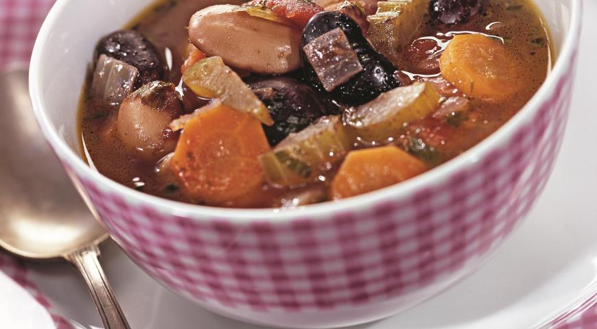 Рецепт Густой суп из фасоли и пармезана