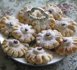 Пирожное с ананасом