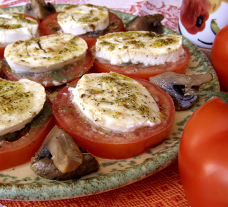 Рецепт Помидоры с моцареллой и шампиньонами