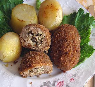 Рецепт Куриные зразы с грибной начинкой под сметанно-сливочным соусом