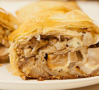 Рецепт Штрудель с грушами и сыром с голубой плесенью