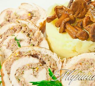 Рецепт Рулет из курицы с картофельным пюре и лисичками