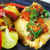 Рецепт Куриные грудки в панировке из пармезана с салатом и овощами