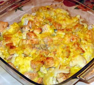 Рецепт Лосось, запеченный с цветной капустой, под шафрановым соусом