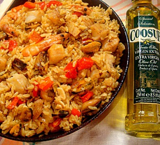 Рецепт Паэлья с курицей, мидиями, гребешком и креветками