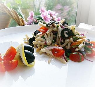 Рецепт Кальмаровый салат с лимонной заправкой