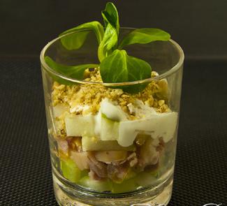 Рецепт Салат из курицы, груши и сельдерея