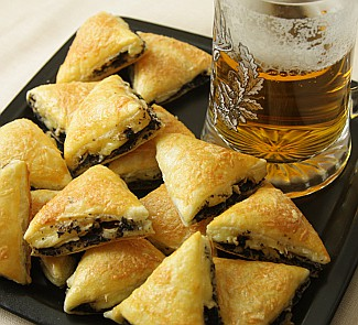 Рецепт Пирожки с маслинами к пиву