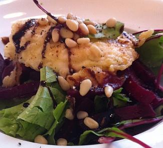 Рецепт Изысканный салат с биточком из Шавру