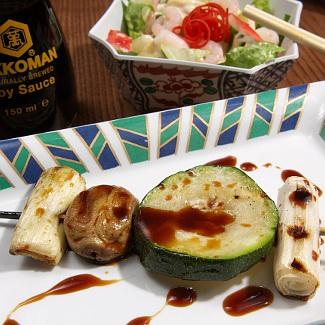 Рецепт Шашлычки из куриной печени с овощами и маринадом-дип-соусом Киккоман