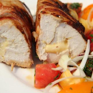 Рецепт Куриное филе с сыром в беконе