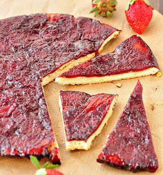 Рецепт Тарт с карамелизированной клубникой в бальзамике и красном вине