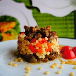 Рецепт Нежная говядина с кускусом и овощами