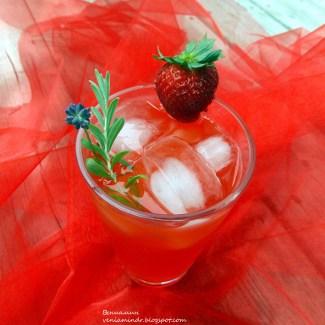 Рецепт Клубнично-лавандовый лимонад