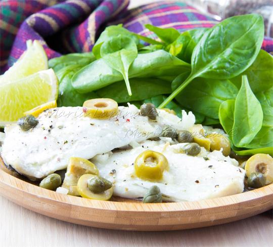 Рецепт Филе дорадо запеченное с оливками, каперсами и вином
