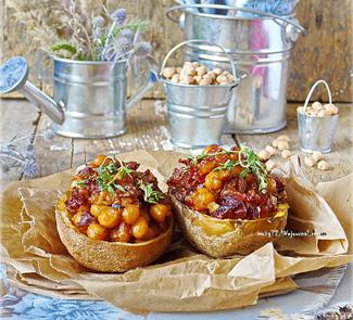 Рецепт Пикантная картошка с нутом, вялеными томатами и песто rosso
