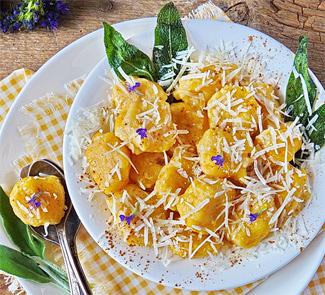 Рецепт Кнёдли из творога и тыквы с шалфеевым маслом