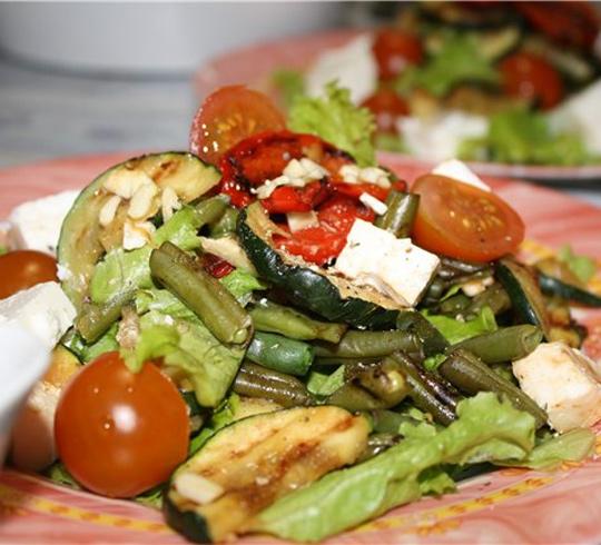Теплый салат-гриль с брынзой, пошаговый рецепт с фото