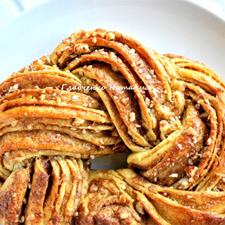 Рецепт Плетенка с корицей и орехами