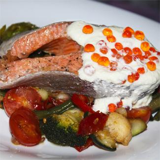 Рецепт Лосось с икорным соусом