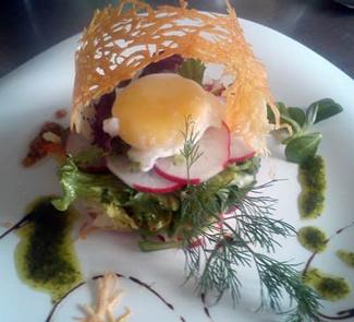 Рецепт Зеленый салат с редисом и яйцом