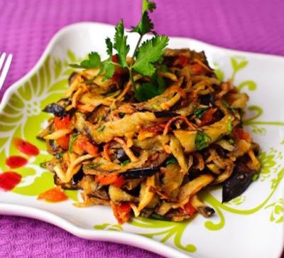 Рецепт Салат из жареных баклажанов с картофелем